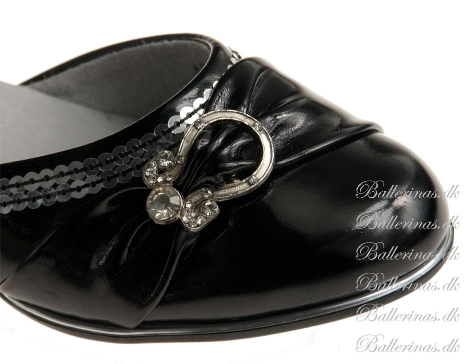 Ballerina schuhe kennedy swartz mit silber dekoration for Silber dekoration